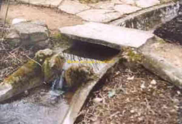 Comment construire une cascade un ruisseau for Fabriquer cascade bassin